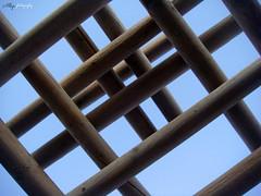 Estructuras (Alberto Jiménez Rey) Tags: wood blue sky azul 3d arquitectura madera geometry explorer alberto cielo rey formas figuras geometria planos jimenez profundidad albjr albjr7