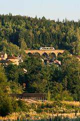 GWTR 654.017-2 (Tom Markovi) Tags: low light sunset yellow orange green wood forest bridge gwtr train zug bahn tschechien vlak soukromnk railroad railway