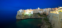 Sea and Night from Polignano a mare - Pouilles - Italie (L.M...) Tags: polignano mare pouilles italie night nuit color couleur mer sea