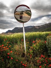 Autorretrato (efe Marimon) Tags: canonpowershots120 felixmarimon catalunya lleida vilanovademei montsec amapolas autorretrato