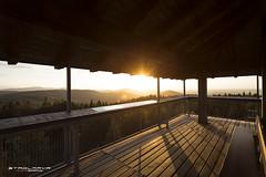 """""""Die letzten Sonnenstrahlen fangen"""" - Weitblick im Attergau (Stadlmayr Photography) Tags: canon 6d uww 1740 attergau attersee warte vonoben sonnenstrahlen aussichtsturm turm sunset abendsonne"""