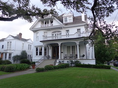 (sftrajan) Tags: stcharlesavenue neworleans mansion architecture frontporch house yard colonialrevivalstyle gable favrotlivaudais