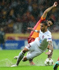 Seluk nan (l3o_) Tags: galatasaray sar krmz red yellow football futbol cfr cluj champions league ampiyonlar ligi seluk inan