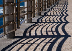waves (Cosimo Matteini) Tags: cosimomatteini ep5 olympus pen m43 mft mzuiko1442mm sansebastian donostia shadows sansebastin pasvasco spain es fence