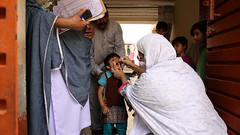 Vaccination against Polio in Pakistan (Sanofi Pasteur) Tags: copyrightsanofipasteur polio vaccination