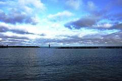 Wasser... (   flickrsprotte  ) Tags: strand meer wasser ostsee kiel schilksee akalt flickrsprotte badenneindanke einepriseostseeluft