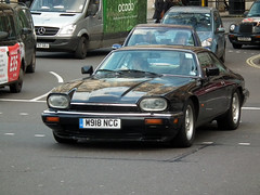 Jaguar XJ-S (kenjonbro) Tags: uk blue england westminster sunday trafalgarsquare 40 xjs jaguar 1994 coupe charingcross sw1 worldcars kenjonbro fujifilmfinepixhs10 m918ncg