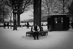 The Street Photography Journal (Julien NGUYEN-KIM) Tags: voyage street city travel winter people blackandwhite bw snow paris france 35mm blackwhite noiretblanc candid streetphotography documentary jardindestuileries x10 fujix10 photographersontumblr