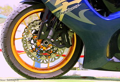IMG_0533 (Noorsa.) Tags: blue red bike honda power 7d motorcycle suzuki jeddah hayabusa