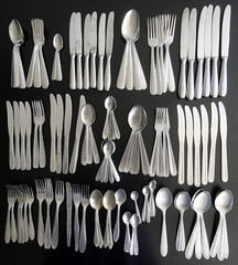 Your cutlery set is also incomplete? / Seu jogo de talheres tambm est incompleto? (Dona Mincia) Tags: art missing knife fork spoon collection mistery incomplete faca colher garfo mistrio coleo incompleto cuttery desaparece faqueiro