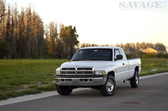 2001 white truck forsale diesel pickup rig dodge ram tow cummins 2500