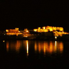 Castle Cornet at Night (Joey Bish) Tags: reflection castle night lights cornet uploaded:by=flickrmobile flickriosapp:filter=nofilter