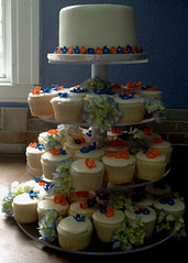 "Cupcake tower • <a style=""font-size:0.8em;"" href=""http://www.flickr.com/photos/60584691@N02/8546710911/"" target=""_blank"">View on Flickr</a>"