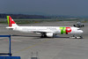 TAP Air Portugal CS-TJE (Howard_Pulling) Tags: camera canon switzerland photo foto swiss aviation zurich 2006 fotos april flughafen airlines zuerich zurichairport flug hpulling howardpulling 760uz
