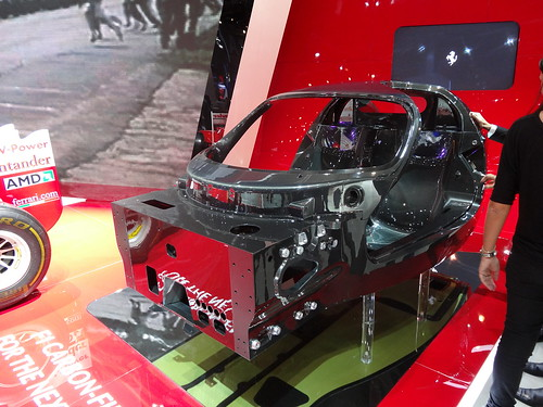 Chassis carbone Ferrari F70 2013