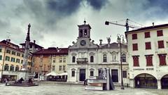 Piazza San Giacomo (Cristina Birri) Tags: udine piazza sangiacomo chiesa church nuvole clouds estate summer friuli