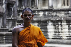 Monk, Angkor Wat (Simon Daniels Photography) Tags: angkor wat cambodia buddhism temple monk orange robes khmer portrait