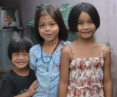 pretty girls with brother (the foreign photographer - ) Tags: sep112016nikon pretty girls children brother child khlong bang bua portraits bangkhen bangkok thailand nikon d3200