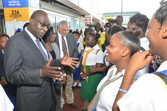 Education Minister Pleased with Improvement in Student Behaviour at Transport Centre