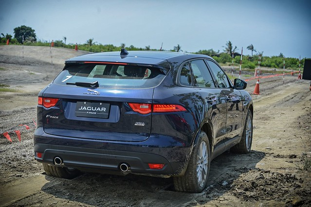 F-Pace-64