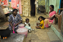 MGR Nagar (Kals Pics) Tags: life people india cooking smile kids canon happy women daughter mother culture happiness chennai tamilnadu villagepeople cwc villagelife rurallife indianwomen relation ruralindia ramapuram indianvillages 550d incredibleindia nandambakkam ruralpeople singarachennai kalspics 18135mmis chennaiweelendclickers fabulouschennai