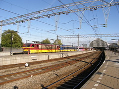 E-loc 1191(Amsterdam Centraal 15-9-2007) (Ronnie Venhorst) Tags: station amsterdam train bs ns zug cs trein internationale spoor 2007 centraal 118 spoorwegen nsr benelux nederlandse prio nmbs icr rijtuig elok icrm eloc 1191 rijtuigen materieel stuurstand