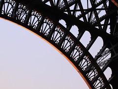 Eiffel Tower @ dusk