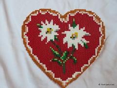 Hama Beads Heart Edelweiss (petuniad) Tags: summer alps sommer alpen herz edelweiss bavarian countrylife prlplattor bayrisch fusebeads landlust trachten hamabeads strijkkralen huettenzauber buegelperlen perlesrepasser