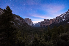 Yosemite Valley at Dawn (Silver1SWA (Ryan Pastorino)) Tags: sunrise canon stars yosemite tunnelview nationparks canon5dmarkii