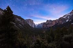 Yosemite Valley at Dawn (Silver1SWA (Ryan Pastorino)) Tags: sunrise canon stars yosemite tunnelview nationparks canon5dmarkii