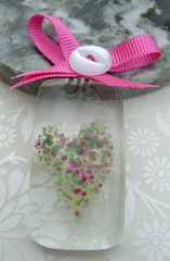 Country Heather Sun Catcher (1) (Glittering Prize - Trudi) Tags: pink sun love glass heart suncatcher ribbon catcher trudi fused glitteringprize britcraft britishcrafters