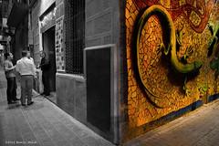 between Barcellona town. (Danilo Alcidi) Tags: barcelona street people espaa club night del corner de noche town calle spain pub strada gente painted murals persone esquina murales notte barcellona spagna citt jeko pintado dipinto angolo