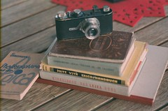 six books and a camera (mikeasaurus) Tags: camera leica winter 6 germany bayern bavaria fuji voigtlander books super gas faded expired six m6 voigtlnder kamera 400asa sechs bcher colorshift expiredfilm leicam6 nokton40 classiccamera colorfilm noktonclassic40mmf14 colourshift throughtheveil autaut leicai leicaporn superhg leicabooks classicleica expired1995 january2013 leicabcher hg400asa