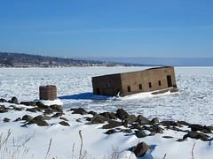Frozen Crib (altfelix11) Tags: ice minnesota frozen northshore crib duluth lakesuperior canalpark lakewalk