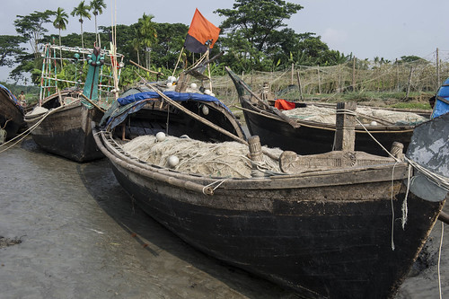 Fishing boats in Bhola, Bangladesh. Photo by Finn Thilsted, 2013.