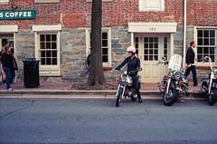 M6_Ektar_OldTown-033.jpg (greauxe) Tags: people streetlife 35mmfilm streetphoto oldtownalexandria leicam6 alexandriava epsonv700 silverfastai kodakektar100 zeiss50mmf2planar filmexplosionblogspotcom