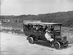 Bowling along in their motor (National Library of Ireland on The Commons) Tags: midlandgreatwesternrailway mgwr motortour im181 commercialcarsluton horn crest charabanc motor bridge westport mayo ireland connaught connacht robertfrench williamlawrence lawrencecollection glassnegative limerickbybeachcomber nationallibraryofireland commer commercialcars locationidentified