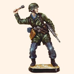 RC110 07 German Paratrooper 1940 (Tradition of London) Tags: toy actionfigures toyshop toysoldiers oldtoys 110mm modelsoldiers toyfigures toyminiature traditionoflondon