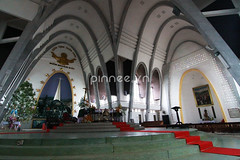 Main hall of a church on Christmas Day (pinnee.) Tags: christmas xmas church photography fulllength indoor vietnam merrychristmas christmastime christmasday selectivefocus happyholiday achurch huế asiaimages xmas2012