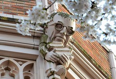 Professor (JohnCramerPhotography) Tags: glasses books gargoyle smithhall