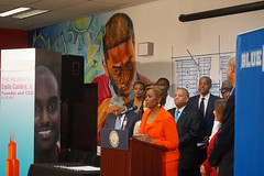 Sheltered Markets Press Conference (chicagomsdc) Tags: chicagomsdc chicago governor illinois blue 1647