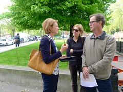 Royal Parks and Palaces with Emma Matthews (12 May 2016) (Context Travel) Tags: london england jeweltower royal royalty parks palaces explore deeptravel iconic travel historic architecture building outdoor people docent