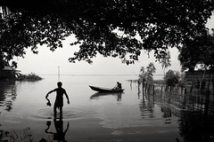Gajnar Bil, Pabna,  Bangladesh (Extinted DiPu) Tags: canon700d canon camera kit lens 1855 lifestyle lifescape lifestyleofbangladesghipeople gajnar bil pabna historicalplace monochrome blackwhite sea river water boat bath
