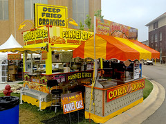 Carousel Deep Fried trailer (mrgraphic2) Tags: indianapolis indiana 2016 statefair deepfried oreos sign yellow carousel corndogs