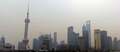 Pudong im Smog (loitz79) Tags: geotagged china chn geo:lat=3123766307 geo:lon=12148653388 huangpu orientalpearltower pudong shanghai shanghaishi shanghaiworldfinancialcenter smog