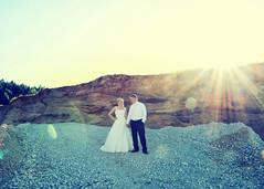 light effect (eva_wurzer) Tags: afterwedding braut brutigam liebe hochzeit natur outdoor nikon landschaft kleid anzug sonne