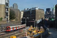 24-08-16 London Underground S8 Stock, 21039 - Metropolitan Line Train To Uxbridge (Lukas66538) Tags: london underground s stock s8 tube tfl farringdon metropolitan line train uxbridge