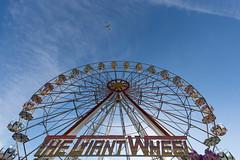 Giant Wheel, Small Aeroplane (Teppo Kotirinta) Tags: aeroplane ferriswheel sky flyover sirkusmarkkinat kerava