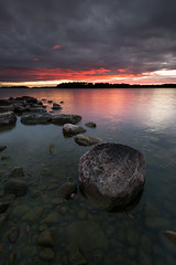 Mörudden - rocks in sunset (- David Olsson -) Tags: mörudden värmland sweden skoghall hammarö lake vänern rocks stones water cloudy clouds sunset sundown shallow landscape seascape nature outdoor leefilters bigstopper 06hard nikon d800 1635 1635mm 1635vr vr fx davidolsson 2016 summer sommar