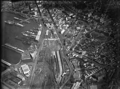 141; Aerial view of Lambton, Wharf Area and Rail Yards - 1930s (Wellington City Council) Tags: wellington historicwellington 1800s 1900s 1950s